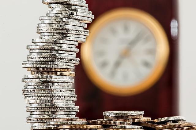 mince a nástěnné hodiny.jpg